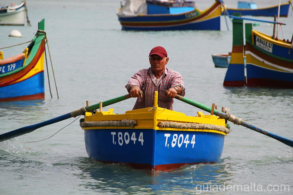marsaxlokk-pescador